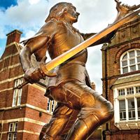 King Richard III statue close-up